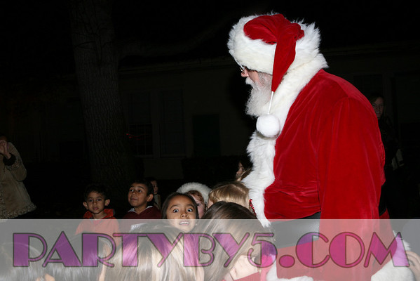 Santa Sighting at Beethoven Elementary